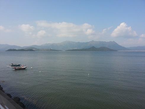 海濱長廊可遠望八仙嶺